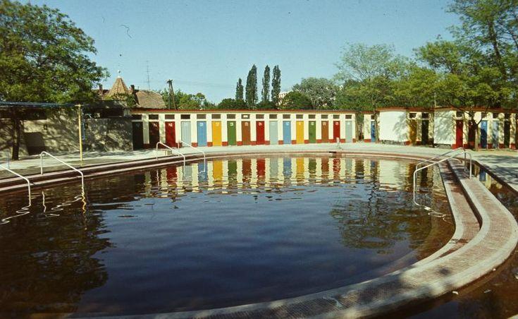 Fotók Hajdúszoboszlóról, a fürdőről és környékéről 1938-tól kezdve a napjainkig. Némelyik régi kép olyan jó minőségű, mintha ma készült volna.