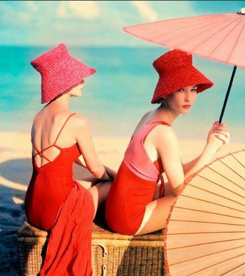Vogue vintage glamour