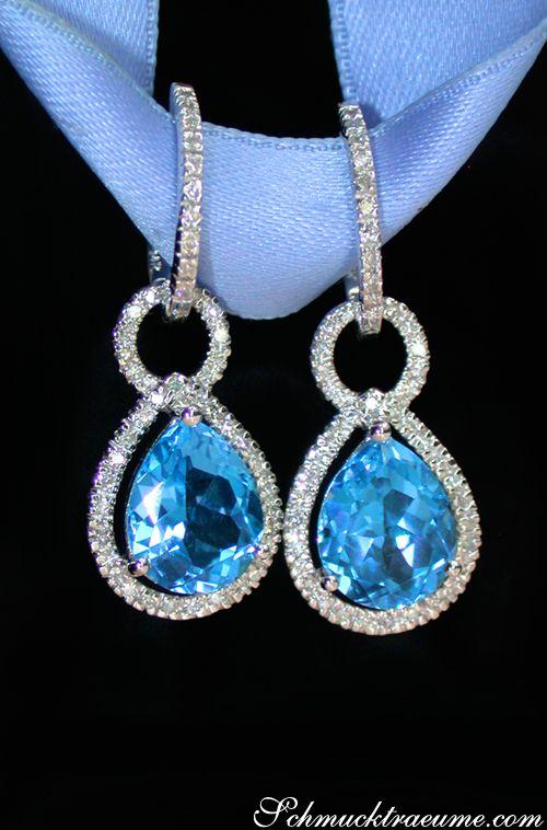 Beautiful Dangling Earrings with Blue Topaz and Diamonds | 6.67 ct. | Whitegold 14k - schmucktraeume.com