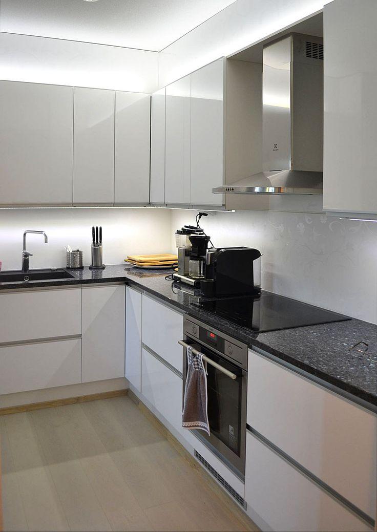 White kitchen - design by decom