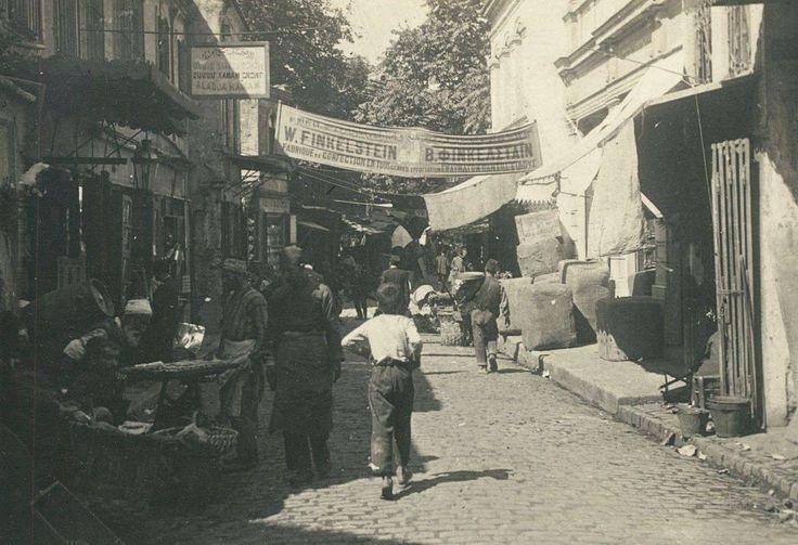 Marpuçcular caddesinden Tahtakale caddesine bakış, Eminönü / 1910′lu yıllar