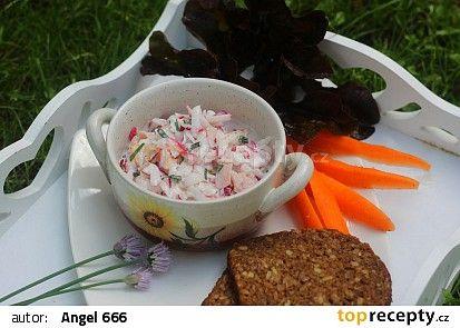 Jednoduchý ředkvičkový salát se šunkou a jogurtem recept - TopRecepty.cz