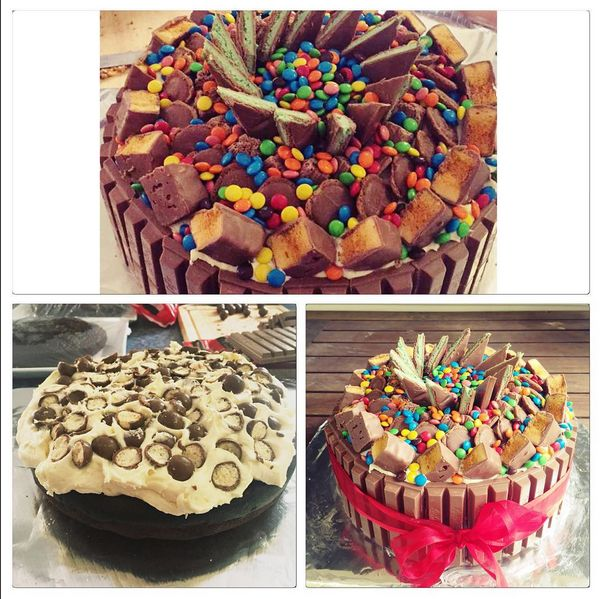 It's a red velvet cake with vanilla/cream cheese buttercream, maltesers in the middle, kit kats around the outside and on top (from the edge) crunchies, Mars pods, flakes, aero mint chocolate, and mini mnms on top! #cake #baking #redvelvet #redvelvetcake #creamcheesefrosting #creamcheese #chocolate #kitkats #crunchie #mint #mnms #maltesers #frosting #deliciouscake #cakeideas #cakesbyleticia