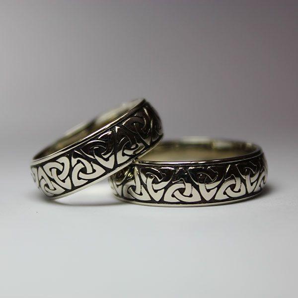кельтские обручальные кольца из белого золота с чернением