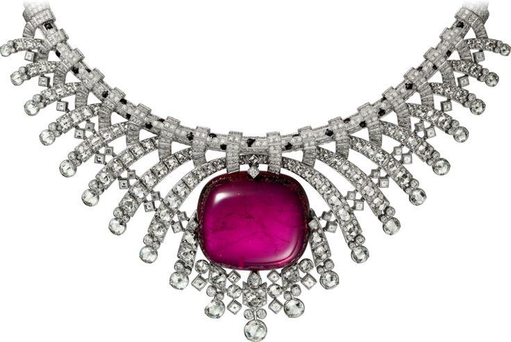 CARTIER. {Close up} Necklace - platinum, one 93.81-carat cabochon-cut rubellite, onyx, rose-cut diamonds, square-shaped diamonds, brilliant-cut diamonds. #Cartier #CartierMagicien #HauteJoaillerie #FineJewelry #Panthère #PinkTourmaline #Diamond #Onyx