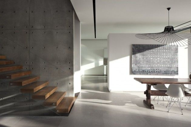 Great detail from the formwork to stair wall. Kfar Shmaryahu House by Pitsou Kedem Architects