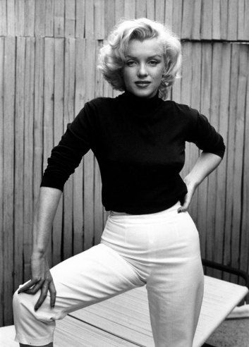 LIFE at Home (in Hollywood) with Marilyn Monroe :: Photo by Alfred Eisenstaedt, 1953 | LIFE.com - Fabulous 50s hair and terrific portrait by Eisenstaedt