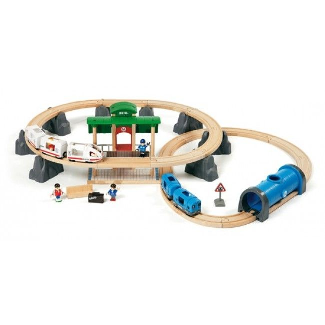 This two-level railway set by BRIO will have your little one exploring for hours! An impressive 41-piece set, batteries included.