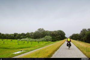 Traseu cu bicicleta MTB XC Viena - Hainburg - Wolfsthal - Bratislava : EuroVelo 6 - 1 . MTB Ride EuroVelo 6 - 1: Vienna - Hainburg - Wolfsthal - Bratislava - Wien - Niederosterreich, Austria