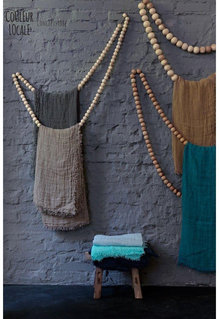 Sukha wooden beads www.couleurlocale.eu Pour suspendre des collants