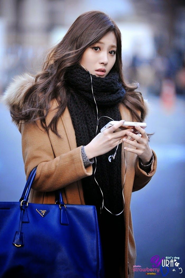 Girl's day Yura Airport Fashion   Official Korean Fashion