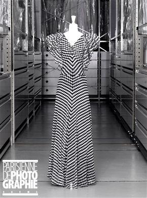 Jeanne Lanvin (1867-1946). Robe  «Les éclairs». Mousseline de soie imprimée.1933. Galliera, musée de la Mode de la Ville de Paris. © Eric Emo / Galliera / Roger-Viollet