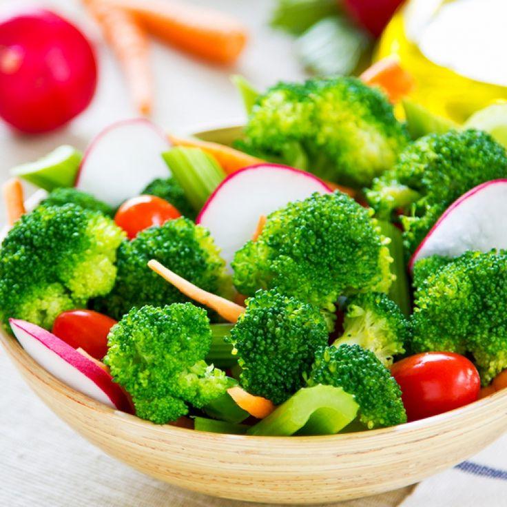 Raw Broccoli Salad on Pinterest | Broccoli raisin salad, Raw broccoli ...
