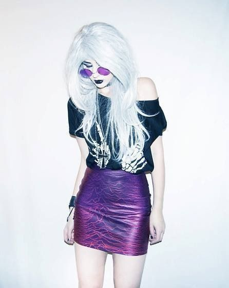 guys i love pastel goths because thy remind me of party girls but they're still very alternative while also being indie and hipster and some are kind of grunge and it's just yes.