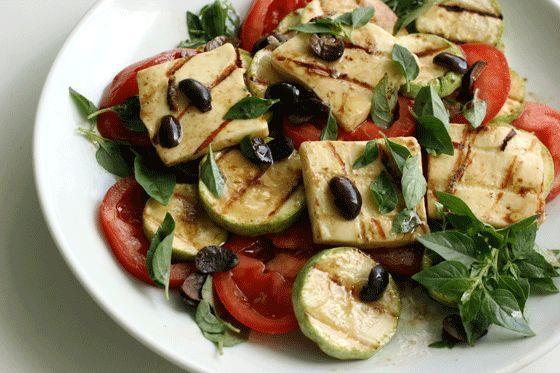 Salada de abobrinha com queijo coalho