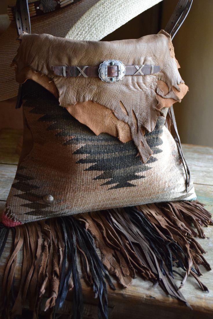 Santa Fe Scout Saddle Bag style... http://www.santafescoutcollection.com