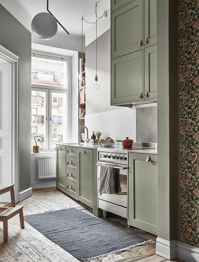 Stilsäker sekelskiftestrea med ett ljuvligt grönt kök | ELLE Decoration