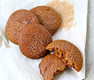 Soft molasses cookies, based on a vintage Shaker recipe -- from the Kitchen Ninja