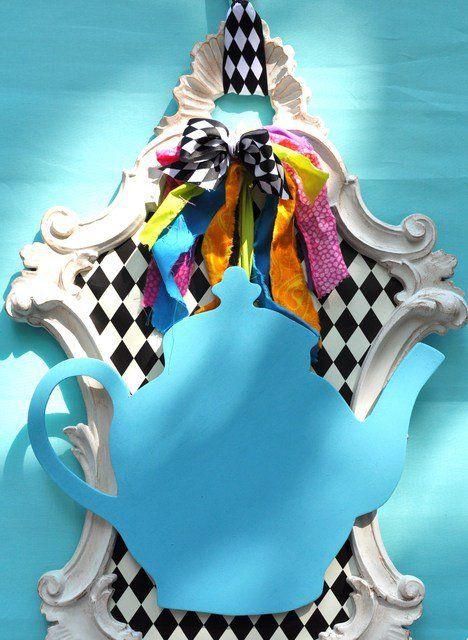 25 unique diy alice in wonderland crafts ideas on for Alice in wonderland crafts