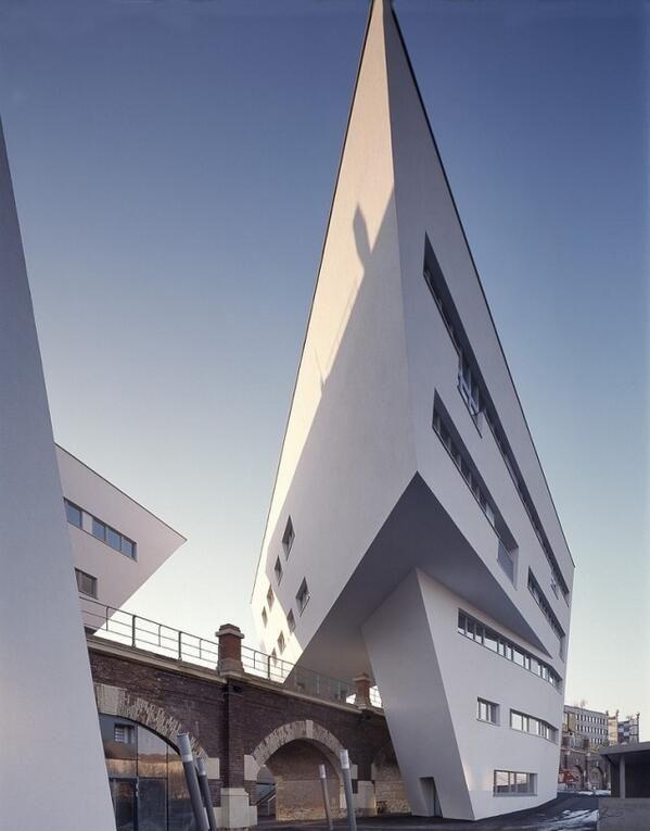 spittelau viaducts viena austria a o 2005 proyecto zaha. Black Bedroom Furniture Sets. Home Design Ideas