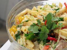 Kuřecí salát s těstovinami - Recepty na každý den