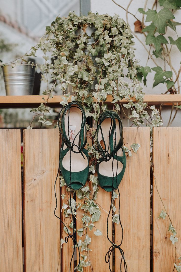 Green Wedding Shoes - Dos de Corazones Photography