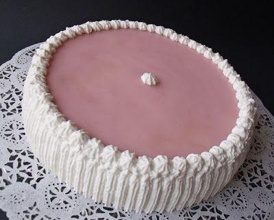Elég régen tervezem már, hogy sütök egy puncstortát, most a férjem születésnapja remek alkalom volt.     Hozzávalók 22 cm-es ...