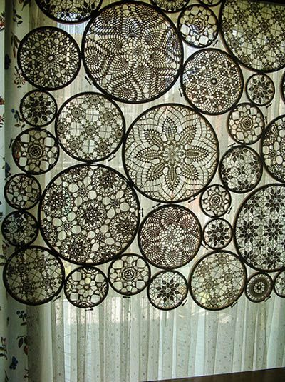 crochet window covering made from lace doilies in ivoryIdeas, Curtains, Windows Covers, Crochet Motif, Shabby Chic, Vintage Lace, Crochet Doilies, Embroidery Hoops, Windows Treatments