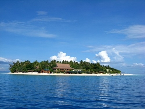 BULA BULA welcome to beachcomber island, FIJI... Oh I miss this place so much!!