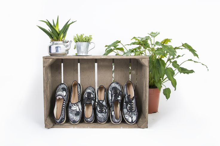 Black 'n White Espadrilles, they suit every outfit! Ready for summer?! Heck yeah, with these awesome shoes!  #espadrilles #summershoes #shoelovers #shoelover #summerfashion #fashion2017 #handmade #fairfashion #handmadeinfrance #toucan #sneakers #readyforsummer #summervibes #lovingshoes #blacknwhite