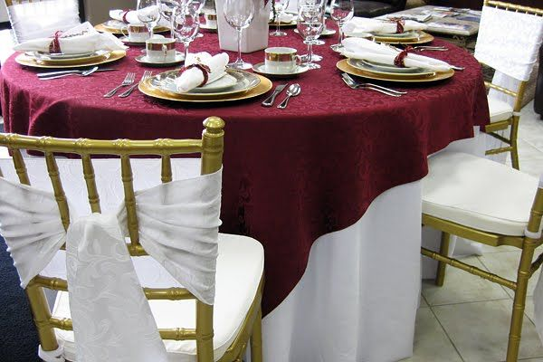 Black burgundy and ivory color schemes links vintage for Table linen color combinations