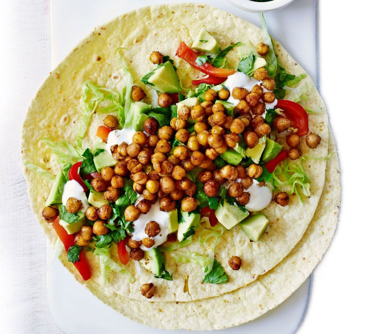 This super-healthy vegetarian supper packs in 4 of your 5 a day, with avocados, roasted red peppers and spiced chickpeas