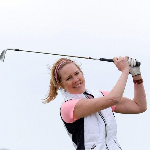 Vyberte si z ponuky oblečenie pre ženy z kolekcie Golf od Röhnisch. Elegantný športový šmrnc má na golfovom ihrisku svoje miesto