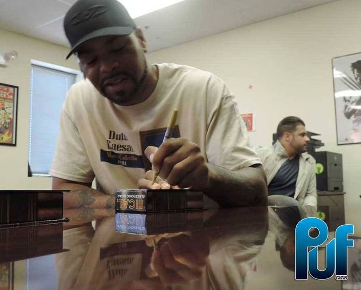 #TBT Method Man signing the new Tical e-Cigar Boxes. Order yours today! https://pufcigs.com/electronic-cigars #methodman #wutang #ecigs #vaping