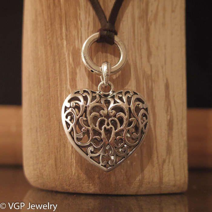 De betekenis van het hart is wereldwijd bekend. Het is een symbool voor de liefde, eenheid, cohesie, sensualiteit en soms seksualiteit, vrouwelijkheid... K