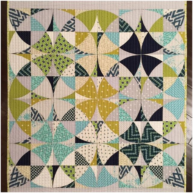 816 best Gorgeous Quilts images on Pinterest | I had, Bedrooms and ... : we r quilts - Adamdwight.com