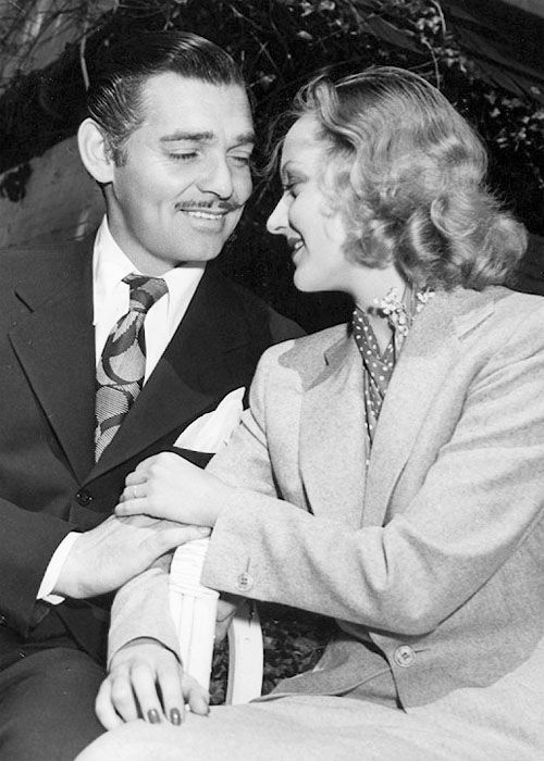 Clark Gable and Carole Lombard announcing their marriage, 1939.