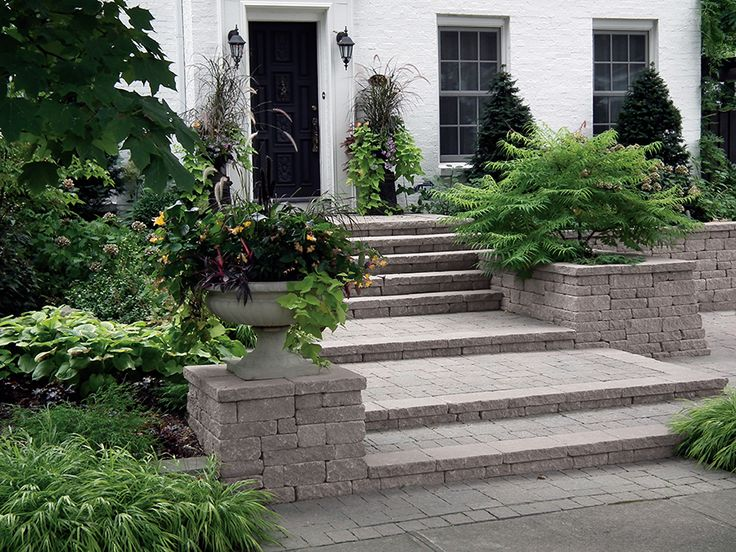 "With its rough cut appearance and solid construction, Fieldstone brings to life creative features such as garden walls, planters, steps or entrance pillars in either random or structured patterns. Rugged Fieldstone heightens the look of any design and its built-in rear retention lip allows for greater sustainability. Tumbled units are pre-split, available in both 90mm (3.54"") and 135mm (5.31"") heights. Use units as a single stone height wall or combine (90/135 mm) together for simple, .."