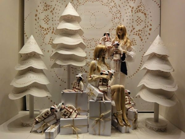 Рождественские окна 2016 Фотографии и декорирование советы 13