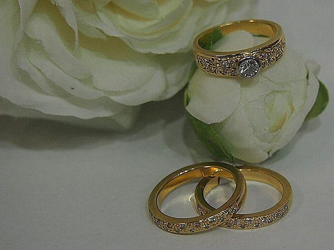 Jewellery-Ring-Designer-18 Carat Yellow Gold and Diamond Three Ring Wedding Bridal Set