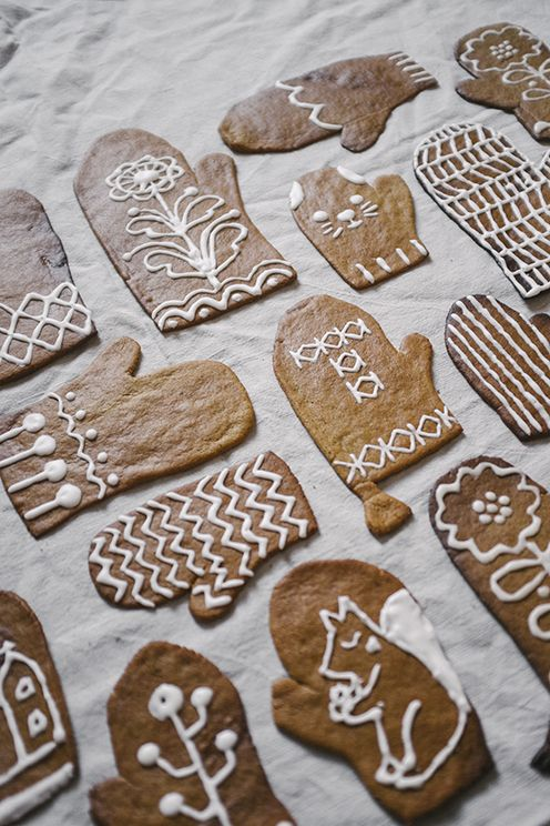Christmas Cookies with Original Art Decorations | Content in a Cottage