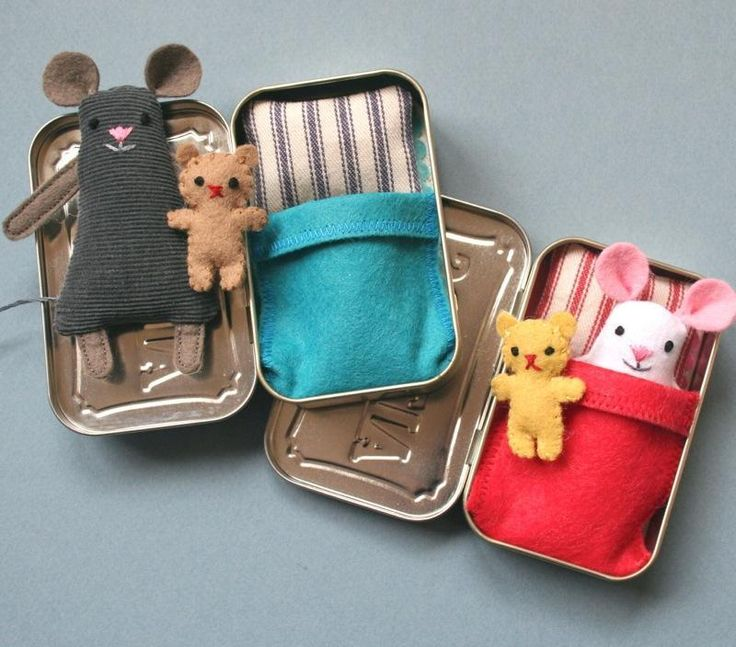 How adorable are these little mice with their bears.: Idea, Wee Mouse, Pattern, Tins, Mouse Tin, Kid