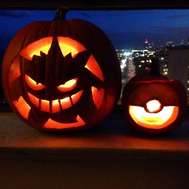 Pin for Later: 27 Creative Pokémon Pumpkin Ideas You Need to Try This Autumn Gengar (and Poké Ball)