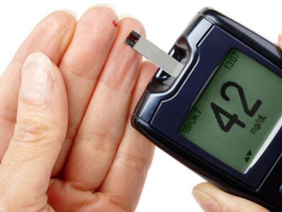 Mediziner nennen Blutzuckerwerte auch Blutzuckerspiegel. Sie geben darüber Auskunft, wie viel Traubenzucker im Blut enthalten ist.