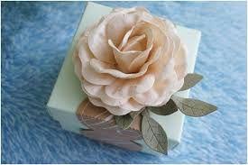 Картинки по запросу paper flowers in wedding decoration - декорирование подарков на свадьбу.