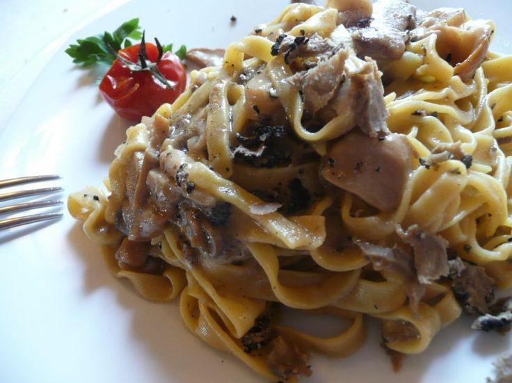 Ricetta Pasta con salsiccia e funghi porcini   Ricette di ButtaLaPasta