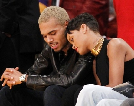 Chris Brown and Rihanna get cozy at Lakers game.