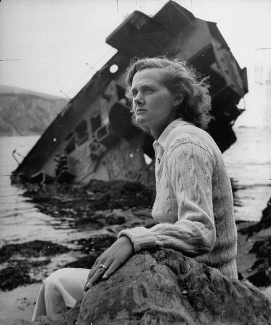 Daphne Du Maurier, escritora británica famosa por novelas como Rebeca, publicada en 1938, y Mi Prima Raquel, ambas llevadas al cine.