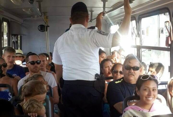 Detienen a siete personas durante operativo en zona hotelera de Cancún