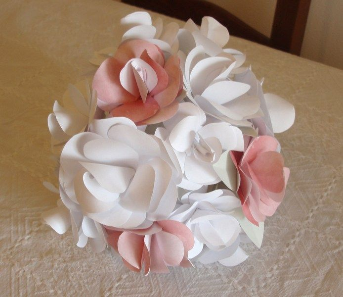 Bouquet+sposa+con+rose+di+carta+di+Monica+Vittani+Handmade+su+DaWanda.com